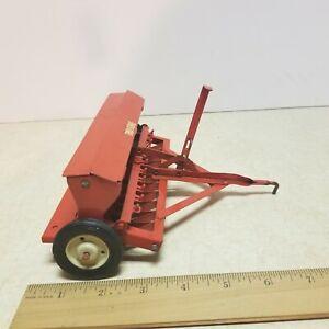 Toy  Carter Tru Scale IH  Pull Type Grain Drill Seeder Farm Toy 1/16 # 1