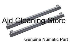 Numatic TT1535 TTQ1535 TT1535G Scrubber Dryer front Blade set & Holder 2x 329275