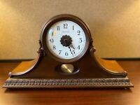 RARE VINTAGE BULOVA WOOD QUARTZ SLEIGH MANTLE CLOCK WITH PERPETUAL PENDULUM