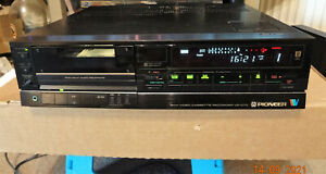 Pioneer VE-D70 8mm / Video8 VCR & PCM audio recorder with Remote