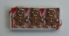 Dolls house miniatures: Lola Originals Gingerbread Men in Box