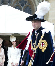 Catherine, Duchess of Cambridge & Prince William UNSIGNED photo - H5953