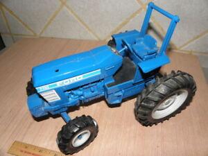 ERTL Ford 7710 Tractor w/ Roll Bar - VTG -  Diecast  1/16 - No Reserve