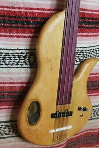 "Bass Fretless 4 String Cherry Lobe Wishbass Reg. Scale 34"" J-Pickup & Piezo"