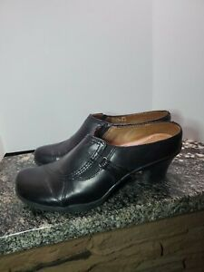 "EARTH ORIGINS Sz 8 M Women's Black Leather Slip On 2"" Heel Shoes"