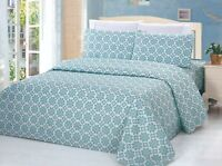Bamboo 3 Pieces Duvet Cover Set, Green Snowflake, Green and White, King Size