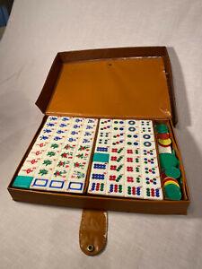 Mahjong Travel Set Green Back Plastic Tiles Vinyl Case Coin Counter 148 tiles