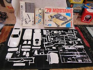 MPC 1972 Ford Mustang Mach I ANNUAL 1/25 Scale Partial Model Kit 1-7213