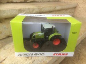 Tracteur CLAAS ARION 640 UNIVERSAL HOBBIES 1/32è en boite