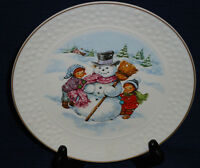 """AVON """"A CHILD'S CHRISTMAS""""  8"""" collector's plate...building a snowman 1986"""