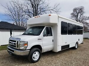 2013 Ford E450 Touring Party Bus Gas Automatic Single RV 25 Passenger Seat Limo
