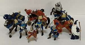 Papo Action Figure Lot 4 Knights And 7 Horses 1 Wizard Weapons 2005