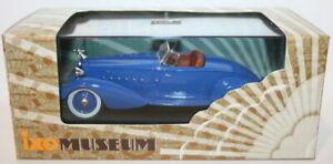 Ixo 1/43 Scale - MUS043 - Packard V12 LeBaron Speedster 1934 - Blue