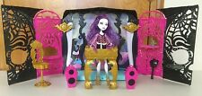 """""""MONSTER HIGH 13 WISHES PARTY LOUNGE WITH SPECTRA"""" DOLL"""