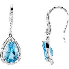 Topacio Azul Suizo & 1/2 CTW Diamante Pendientes en 14k ORO BLANCO ( 1/2 Ct. TW