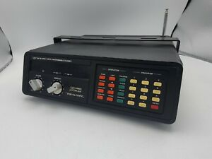 GOOD USED REALISTIC 20 CHANNEL PRO-2020 UHF POLICE FIRE EMERGENCY SCANNER