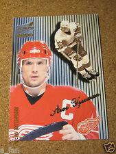 1999 00 Pacific Aurora Striped # 55 Steve Yzerman - Detroit Red Wings         XX