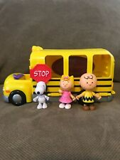 Peanuts SCHOOL BUS Playset Charlie Brown - Snoopy Accessories Just Play Toys
