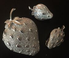 BROOCH PIN EARRINGS SARAH COVENTRY STRAWBERRY SILVERTONE E1-M