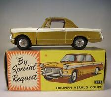 Corgi Toys 231 Triumph Herald Coupe OVP #116