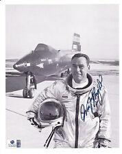 William J Knight/Astronaut/Politician Autographed 8x10 B&W Photo With Global COA