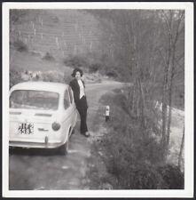 YZ1175 Nell'Astigiano - Donna in posa con Fiat 850 - Foto d'epoca - 1970 photo