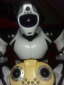 "Robosapien V2 Robot Large WowWee  Pearl White  Version 3   21"""
