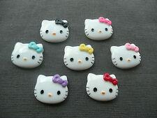 Cabochon résine Tête Hello Kitty avec noeud : Lot de 7 en 27 x 22 mm
