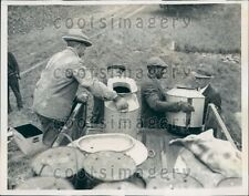 1935 NY Dept of Conservation Workers Unload Salmon For Release Press Photo