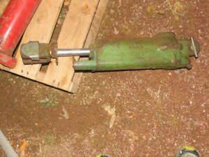 John Deere  Hydraulic Cylinder  A4732R