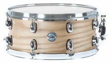 """Schöne 14""""x6,5"""" Silver Ash Snare Drum der Full Range Serie mit Stahlspannreifen"""
