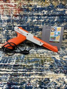 Nintendo NES Zapper Gun NES with Super Mario Bros./Duck Hunt Tested and Works