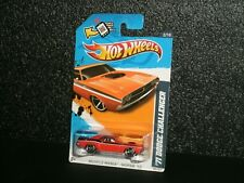 "2012 Hot Wheels Muscle Mania 1971 Dodge Challenger "" 426 HEMI "" / Protector"
