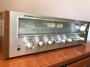 Vintage Pioneer SX-650 AM/FM Stereo Receiver MINT CONDITION - WORKS GREAT