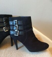 Clarks 6.5 black ankle boots used