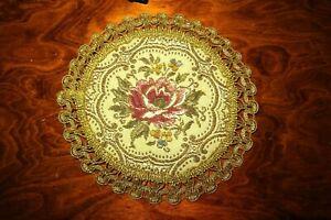 kleines rundes Brokat Deckchen Rosenmotiv Spitze aus Metallic Garn goldfarben