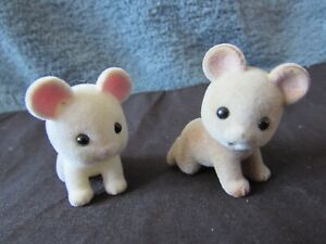 SYLVANIAN FAMILIES - BAIT CONDITION - 2 X BABY CRAWLING MICE - DG1224