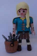 Playmobil How to Train your Dragon  Astrid with Bucket of Fish   New    2019