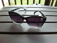 Jessica Simpson Black Cat Eye Sunglasses J5823 NEW