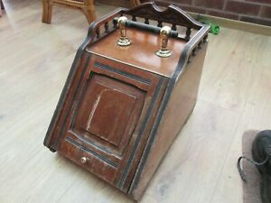 Antique Wooden Coal Scuttle With Metal Liner.