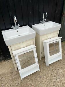 Roper Rhodes Hampton Unit & Basin - Vanilla - Inc Taps and Mirror Cabinet