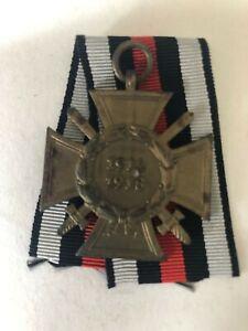 MEDAL GERMAN WW1 CROSS OF HONOUR WITH SWORDS COMBATANT MAKER T. & T. L.