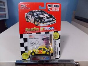 RACING CHAMPIONS MICHAEL WALTRIP COLLECTOR RACE CAR
