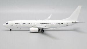 Blank/White Boeing 737-800 Winglets JC Wings JC2WHT1067 BK1067 Scale 1:200