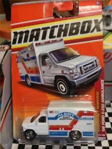 """2011 MATCHBOX """"08 FORD E-350 SUPER DUTY AMBULANCE""""---HOT----WHITE"""