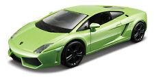 Lamborghini Gallardo LP560-4 vert échelle 1:3 2 PAR BBURAGO