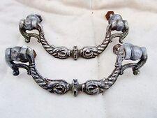 ancienne paire de poignées pendeloques de meuble-commode-régence-motifs dauphin