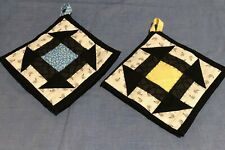 Patchwork Quilted Pot-holder, handmade, cotton & thermal fabrics, set of 2, bees