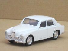Alfa Romeo 1900 Limousine in weiß, o.OVP, Brumm, 1:43