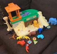 Vintage 1984 Fisher Price Little People Play Family Zoo #916  Food Animals Lot